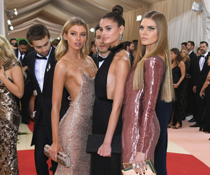 model, stella maxwell, and taylor hill image