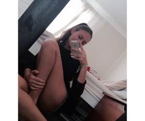 jawline and legs image