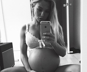 baby bump, model, and tammy hembrow image