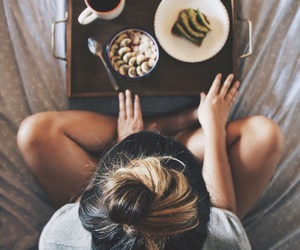 girl, food, and bed image
