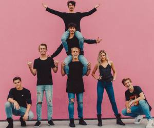 team 10 and jake paul image