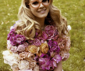 flowers, tumblr, and lizzy grant image