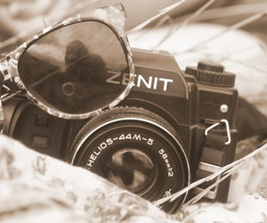 camera and glasses image