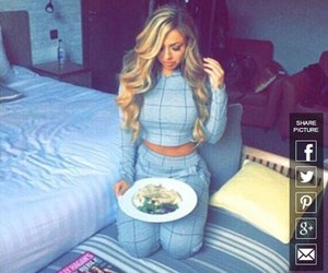 blonde, food, and dailymail image