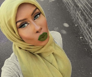 beautiful, makeup, and green lips image