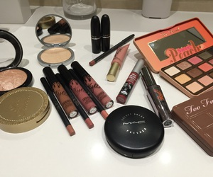 benefit, highlighter, and kits image