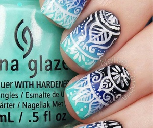 mandala nails image