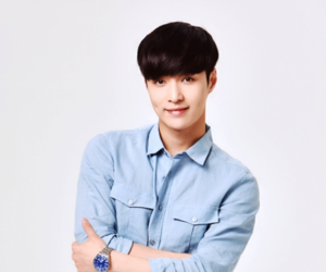 lay and exo image
