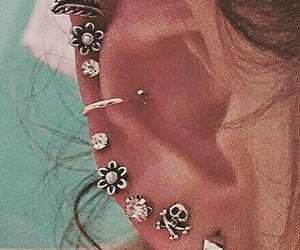 Piercings, aritos, and accesories image