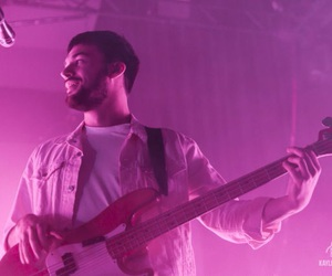 ross macdonald and the 1975 image