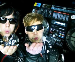 blow, boombox, and the lonely island image