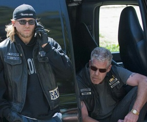 Charlie Hunnam, sons of anarchy, and samcro image