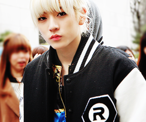 adorable, blonde, and kpop image