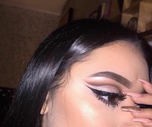 eyelashes, highlight, and cut crease image