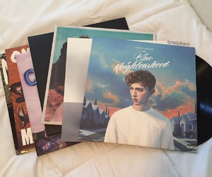 halsey and vinyls image