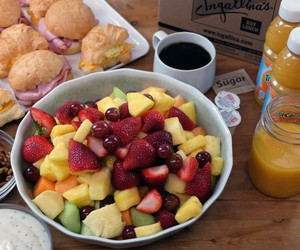 fresh fruit, combo party platter, and party platter image