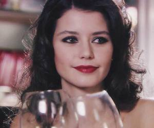 girl and beren saat image