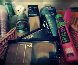 beauty, eyelashes, and fit image
