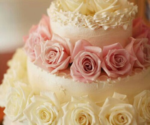cake and flower image