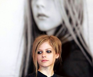 Avril Lavigne, bad girl, and wallpaper image