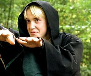 harry potter, hogwarts, and icon image