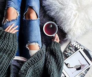chic, sweater, and outfit inspirations image