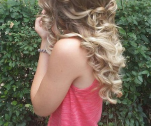 hairstyle blonde weavy image
