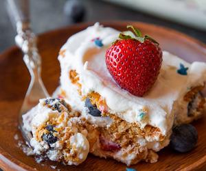 cake, strawberry, and icebox cake image