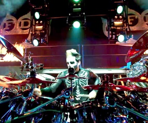 concert, five finger death punch, and heavy metal image