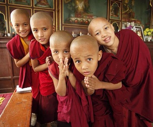 monks and tibet image
