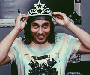lovely, vic fuentes, and pierce the veil image