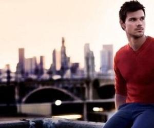 Taylor Lautner