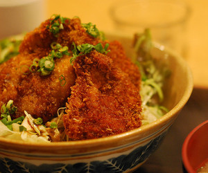 food, katsudon, and donburi image