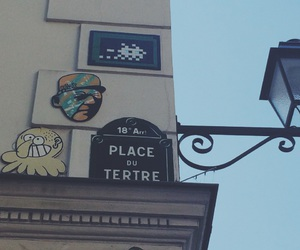 paris, monmartre, and space invaders image