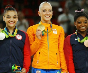 simone biles, laurie hernandez, and sanne wevers image