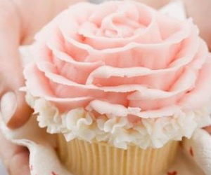 aesthetic, rose, and cupcake image