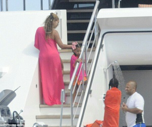 2016, italy, and queen bey image