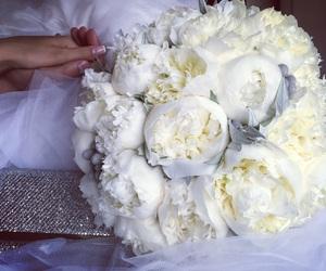 bouquet, bride, and clutch image