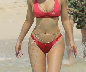 kylie jenner, body, and beach image