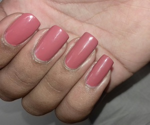 Easy, simple, and real nails image