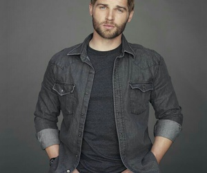 mike vogel image