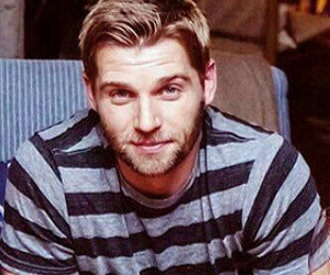 barbie, mike vogel, and under the dome image