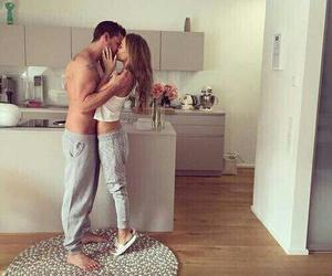 crazy, kiss, and relaciones image