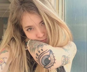 girls, loiras, and Tattoos image