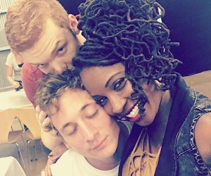 shameless, jeremy allen white, and cameron monaghan image