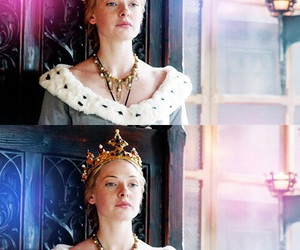 crowns, tiara, and the white queen image