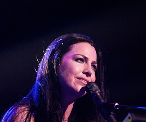 amy lee, evanescence, and aw image