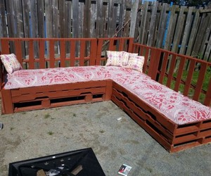 pallet sofa ideas, pallet sofa projects, and pallet couch plans image