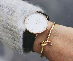 style and watch image