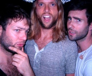 maroon 5, adam levine, and mickey madden image